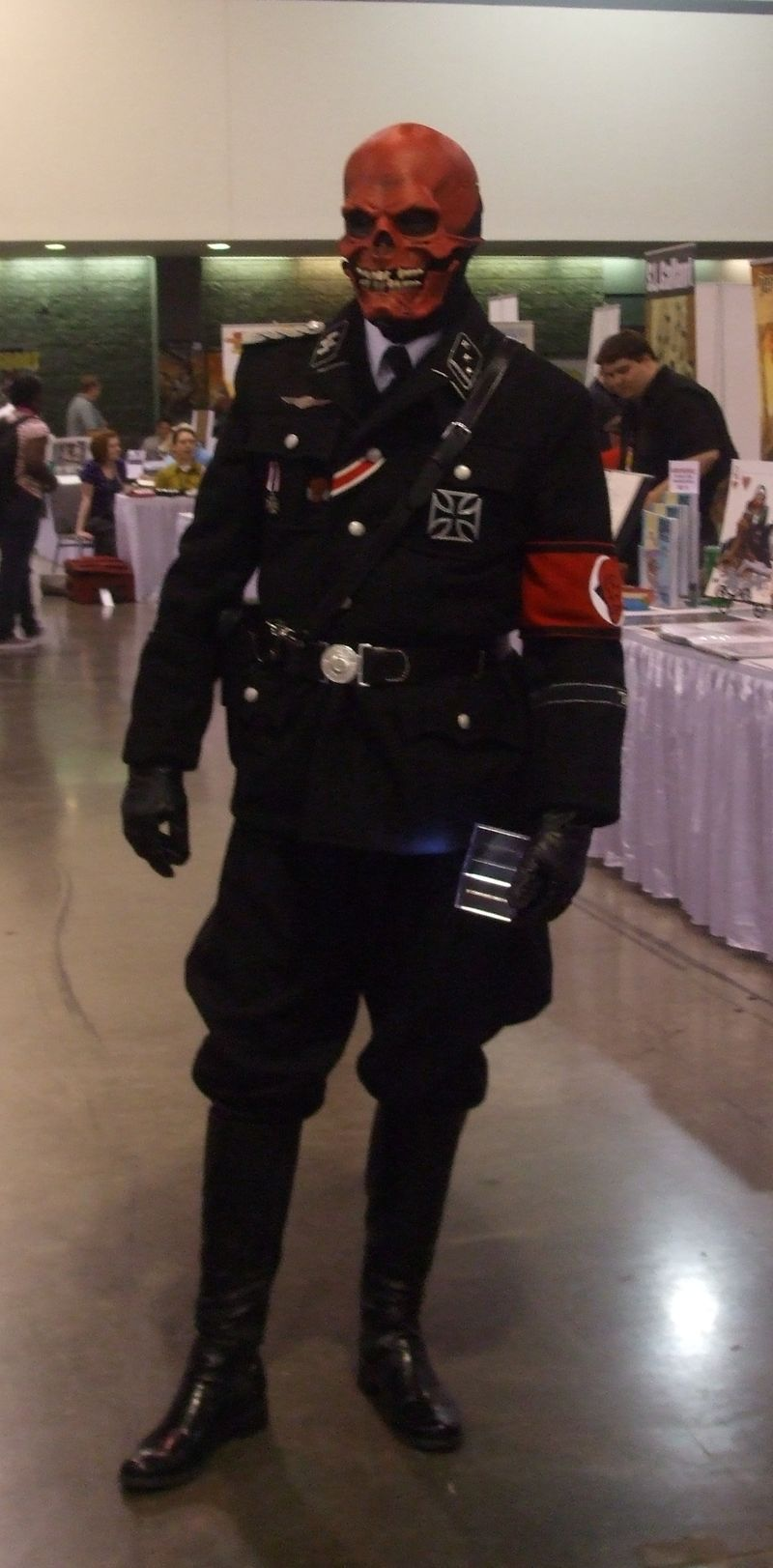 Red-skull-heroes-con