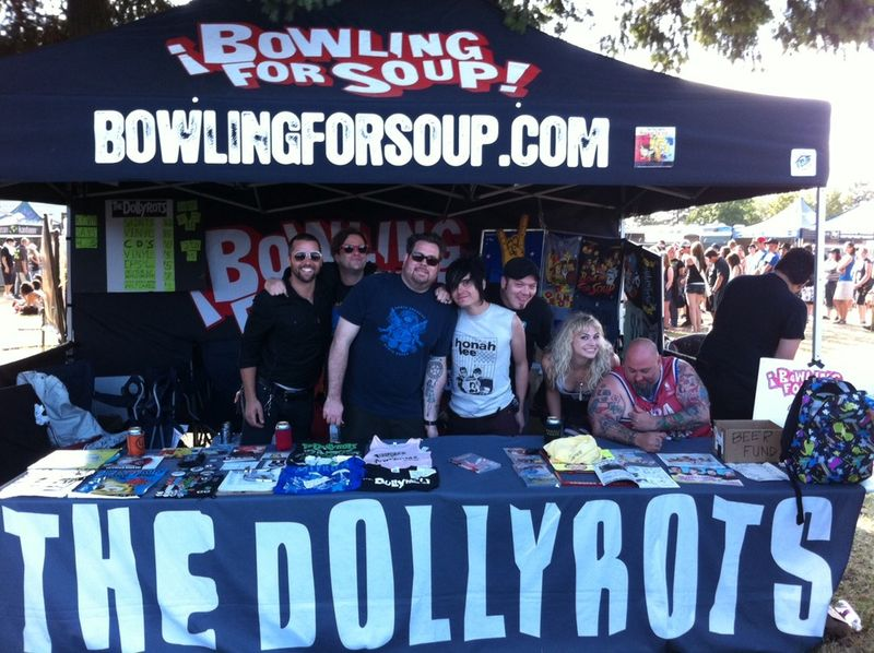 Dollyrots-bowling-for-soup-warped-tour