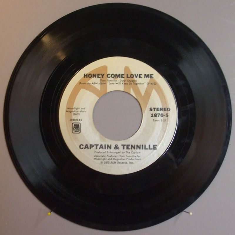 Captain-and-tennille-honey-come-love-me