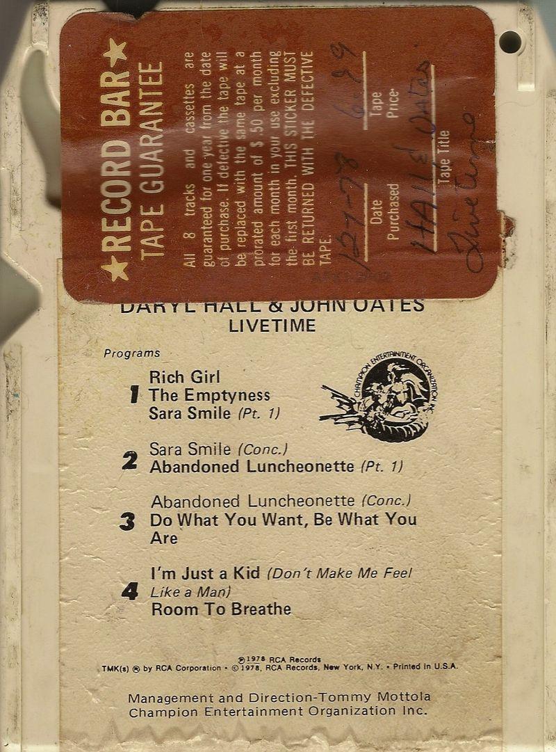 Daryl-hall-john-oates-livetime-8-track-back