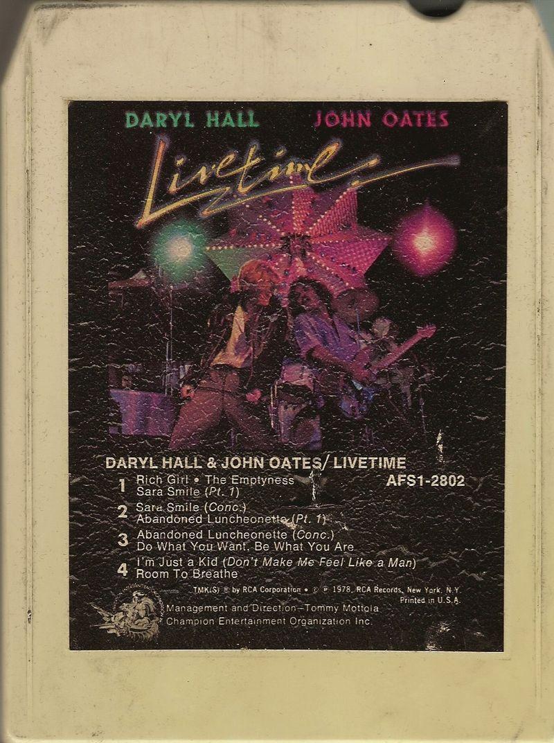 Daryl-hall-john-oates-livetime-8-track