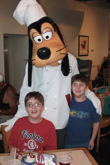Goofy_chef_mickeys_2